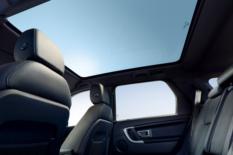 Panoramic sunroof of the Land Rover Discovery Sport
